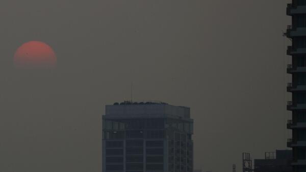 Ảnh minh họa. Không khí ô nhiễm tại Bangkok ngày 30/12/2019. Hà Nội cũng đang theo chân các đô thị ô nhiễm nặng ở châu Á.