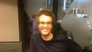 L'écrivain français Hugo Boris en studio à RFI (février 2020)