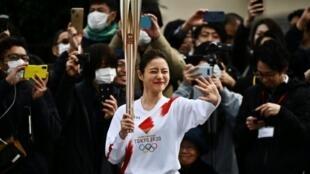 Japanese actress Satomi Ishihara ran the third leg of the relay rehearsal