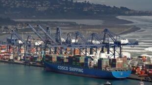 Le géant du transport maritime chinois COSCO qui possède 7,5% de la flotte mondiale de supertankers vient d'être sanctionné par Washington pour avoir transporté du Brut iranien.