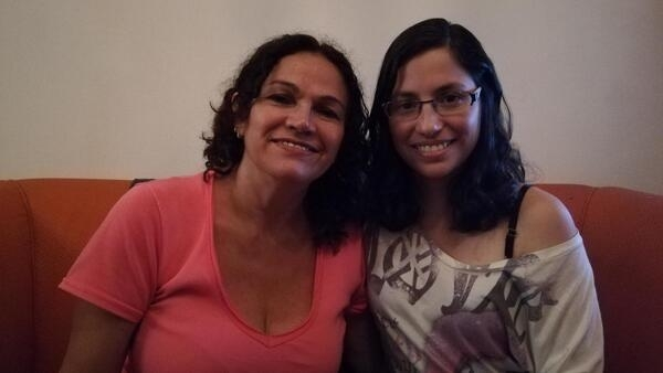 A manauense Mafiza Dantas com sua filha, Alesandra.