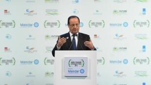 O Presidente François Hollande na abertura da Cúpula de Energias Renováveis, nesta terça-feira 15 de janeiro de 2013, em Abu Dhabi.