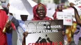 Protestos pedindo a libertação das estudantes sequestradas em Chibok pelo grupo Boko Haram. Maio 2014.