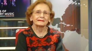Alicia Terzián en los estudios de RFI