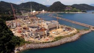 A usina Angra 3, no Estado do Rio, contará com investimento da francesa Areva.