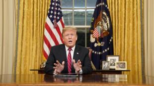 Le président Donald Trump, lors de son allocution à la nation, lundi 7 janvier 2019, depuis le Bureau ovale de la Maison Blanche.