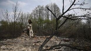 Разрушенный в результате пожара дом в чернобыльской зоне, 1 мая 2015 год
