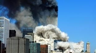 Les deux tours du World Trade Center, à New York, le 11 septembre 2001.