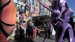 La Grande Parade, dans les rues d'Avignon, lors du lancement du Festival «Off» (7-28 juillet 2012) avec ses 1 160 compagnies de théâtre.