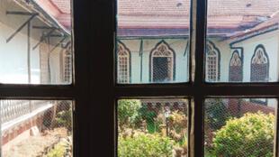 Le manoir Figueiredo, joyau d'architecture indo-portugaise datant de 1590 et sa cour intérieure, autrefois surnommé jardin hindou.