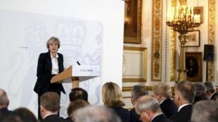 Theresa May, primeira-ministra britânica detalha as grandes linhas do Brexit
