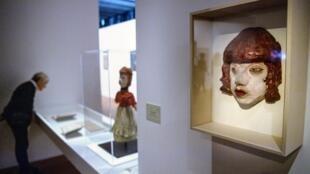 «Lili, marionnette à gaine, 1936» de Jean Dubuffet exposée au MuCEM dans le cadre de l'exposition qui lui est consacrée jusqu'au 2 septembre 2019.