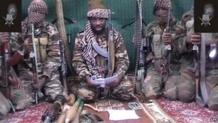 Shugaban mayakan Boko haram Abubakar Shekau tare da mayakansa