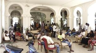 Protesters occupy Mali's presidential palace in Bamako, 21 May, 2012