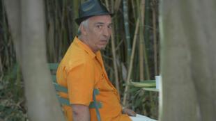 Aziz Chouaki après la lecture de son texte «Esperanza (Lampedusa)», dans le cadre de «Ça va, ça va le monde», organisée par RFI au Festival d'Avignon, en 2015.