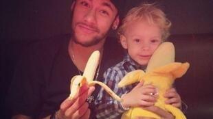 A foto publicada no Twitter pelo jogador Neymar, que inspirou os internautas brasileiros