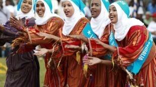Refugiadas somali durante evento de celebração da Acnur no Quênia.
