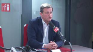 Louis Aliot dans les studios de RFI.