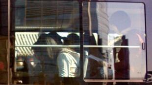 2011年4月24日参加守望教会复活节露天礼拜的近30位教友遭到警方逮捕
