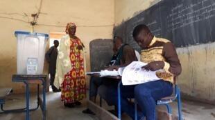 马里于7月29日举行第一轮总统选举投票