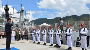 Tổng thống Indonesia Joko Widodo thăm một căn cứ quân sự ở Natuna, ngày 9/1/2020.