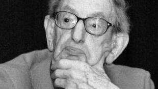 Eric John Ernest Hobsbawm.