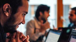 A Berlin, la Redi School forme gratuitement les réfugiés à la programmation informatique.
