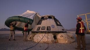 Boeing a échoué à envoyer sa capsule Starliner vers la Station spatiale internationale. Elle a atterri dimanche 22 décembre au Nouveau-Mexique.