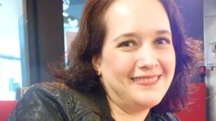 La soprano colombiana Marcela Daza Valeanu en los estudios de RFI.