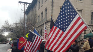 Tous les vendredis, à l'initiative d'Otto Davis et David Stokes, les vétérans de Lynchburg Virginie manifestent pour soutenir les soldats américains en Irak et Afghanistan.
