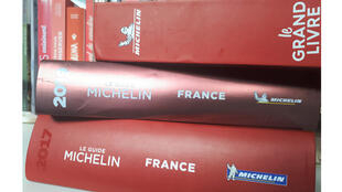 Guides Michelin.
