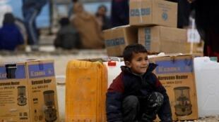 Uma criança síria no campo de refugiados de al-Hol na província de al-Hasakeh, no nordeste da Síria, 07/01/19