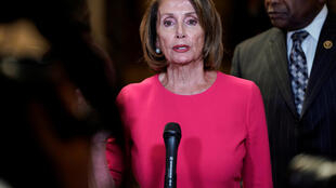 """Chủ tịch Hạ Viện Nancy Pelosi sau khi phát biểu về """"shut down"""", Washington, ngày 03/01/2019."""