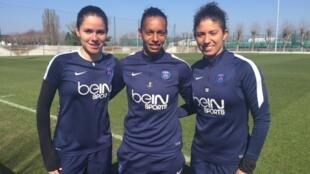 No Paris Saint-Germain, há três jogadoras brasileiras Érika, Rosana e Cristiane.