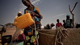 Oxfam señala que los 22 hombres más ricos poseen más riquezas que toda la población femenina de África.