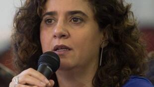 A filósofa Tatiana Roque traduziu para português um manifesto assinado por feministas em reação à carta aberta de cem mulheres influentes ao Le Monde, na qual defendem o direito dos homens de importunar