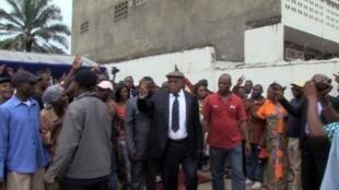 L'opposant congolais Etienne Tshisekedi près de sa maison de Limete, à Kinshasa, le 23 décembre 2012.