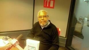 """""""Crónicas da Terra Longe"""", livro de Luiz Silva, sociólogo caboverdiano, nos estúdios da RFI"""
