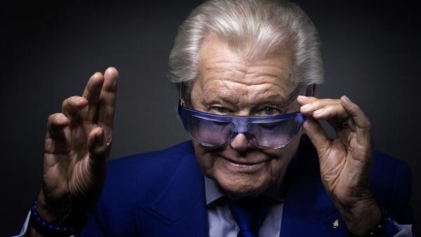 Le directeur de cabaret Michou est mort à l'âge de 88 ans.