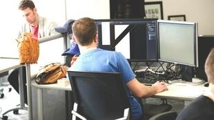 Na Califórnia, estagiários em tecnologia chegam a ganhar US$ 7 mil por mês.