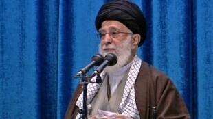 Giáo chủ Khamenei trong một lễ cầu nguyện ở Téhéran thứ Sáu 17/01/2019.