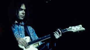 Neil Young à Paris, le 23 mars 1976.