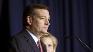 លោក Ted Cruz សមាជិកព្រឹទ្ធសភាអាមេរិកមកពីគណបក្សសាធារណរដ្ឋ