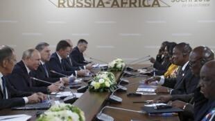 俄非峰會上,俄羅斯總統普京與中非總統舉行會談,索契,2019年10月23