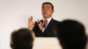 Эксперты высказывают версию о том, что задержание Карлоса Гона могло стать следствием опасений японского руководства Nissan из-за возможного «слияния» с Renault