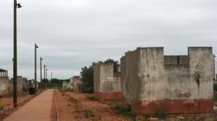 Los barracones del bloque F del campo de Rivesaltes, aún en pie.
