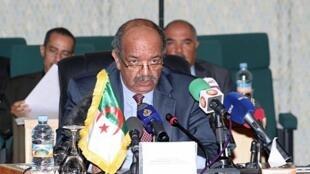 Abdelkader Messahel, ministre algérien des Affaires africaines et maghrébines à Nouakchott, le 8 avril 2012.