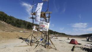 Vue du site du barrage controversé de Sivens, dans le sud de la France, le 28 octobre 2014.