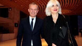 Франсуа Де Рюжи с женой Северин в Париже 19 февраля