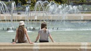 Na França, um grande número de casos de puberdade precoce vêm sendo relacionados aos perturbadores endócrinos.